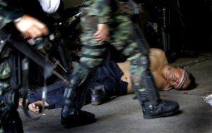 21 พ.ค 53ประมวลความโหดร้าย...อภิสิทธ์และคณะฆ่าปชชไทยหน้าตาย