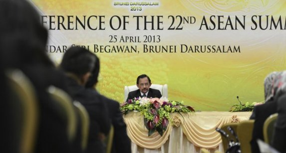 2013-04-25f22as_BRUNEI-ASEAN