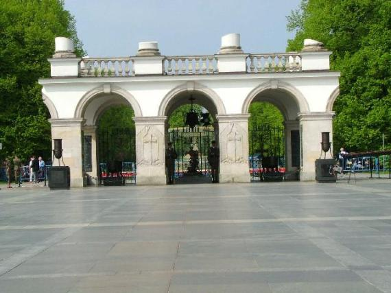 tomb_unknown_soldier_warsaw_poland gov